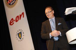 E-prize. Fšr andra Œret i rad delade Veckans affŠrer ut E-prize till Sveriges energieffektivaste fšretag. GŠsterna bjšds in till seminarium med efterfšljande prisutdelning med mingel och mat. Lars Lagerkvist, vd E.on FšrsŠljning .